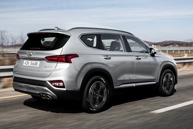 2019 Hyundai Santa Fe: Geneva Auto Show featured image large thumb2