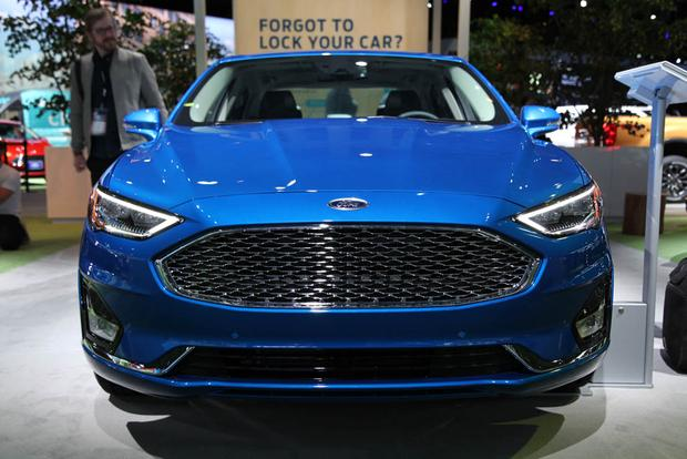 2019 Ford Fusion: New York Auto Show featured image large thumb1