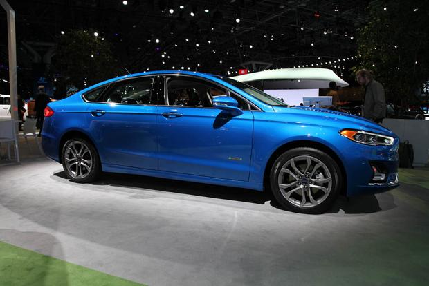 2019 Ford Fusion: New York Auto Show featured image large thumb2
