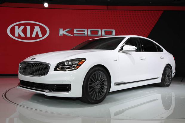 2019 Kia K900: New York Auto Show featured image large thumb0