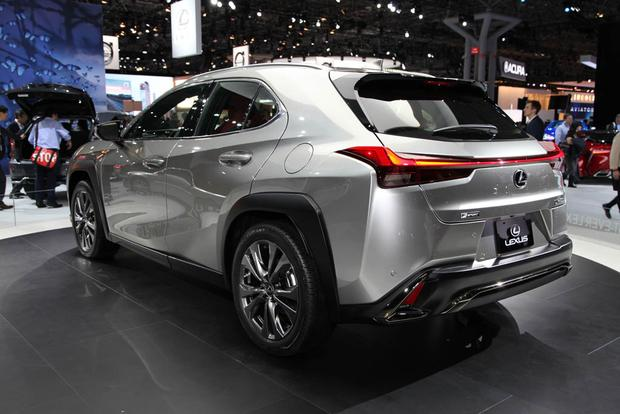 2019 Lexus UX: New York Auto Show featured image large thumb2
