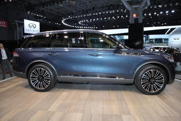 Lincoln Aviator: New York Auto Show featured image large thumb1