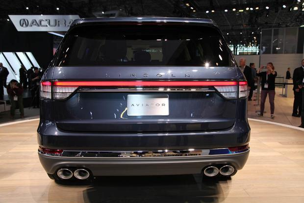 Lincoln Aviator: New York Auto Show featured image large thumb2