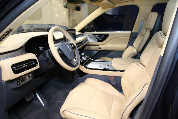 Lincoln Aviator: New York Auto Show featured image large thumb4