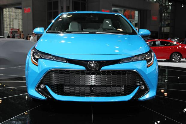 2019 Toyota Corolla: New York Auto Show featured image large thumb0