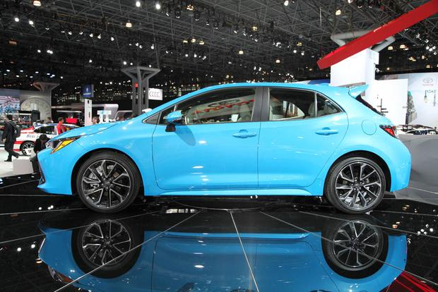 2019 Toyota Corolla: New York Auto Show featured image large thumb2