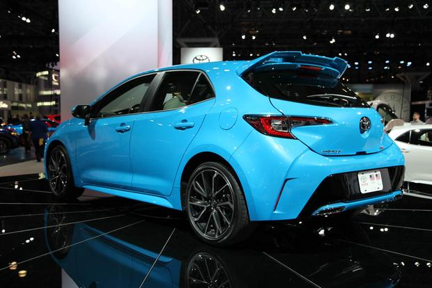 2019 Toyota Corolla: New York Auto Show featured image large thumb3