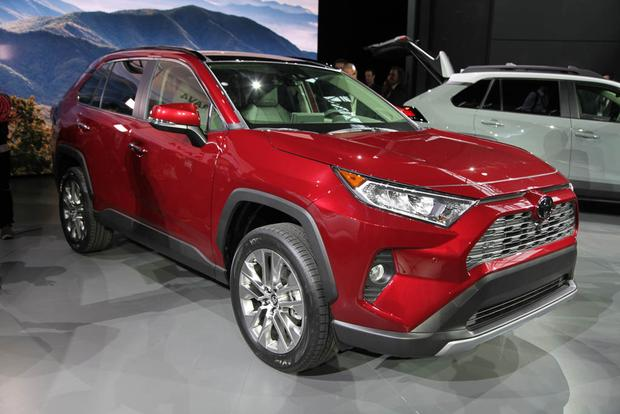 2019 Toyota RAV4: New York Auto Show featured image large thumb0