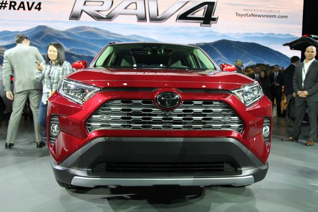2019 Toyota RAV4: New York Auto Show featured image large thumb1