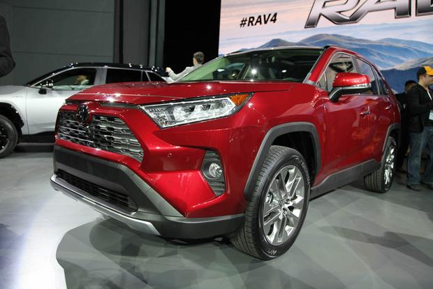 2019 Toyota RAV4: New York Auto Show featured image large thumb2