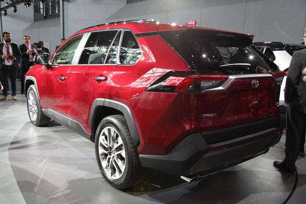 2019 Toyota RAV4: New York Auto Show featured image large thumb5