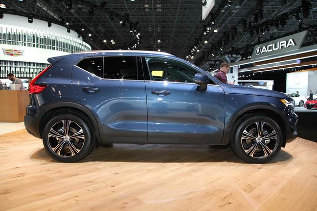 2019 Volvo XC40 and 2019 Volvo V60: New York Auto Show featured image large thumb1