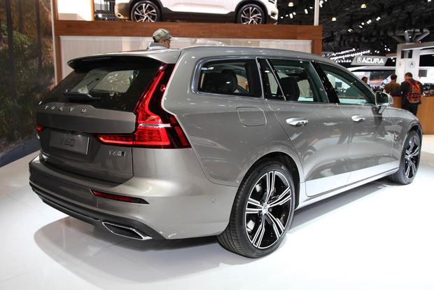 2019 Volvo XC40 and 2019 Volvo V60: New York Auto Show featured image large thumb5
