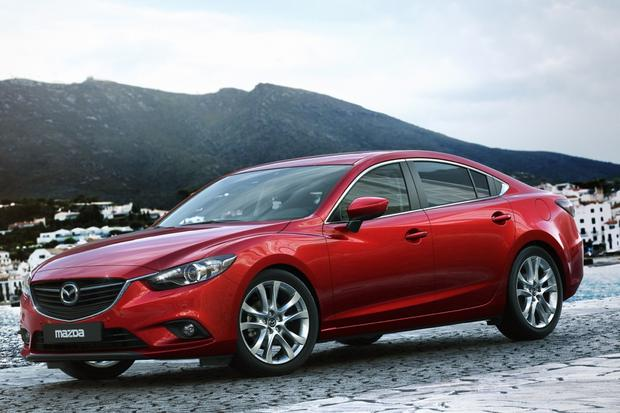 7 Cars That Help Mom This Holiday Season featured image large thumb6