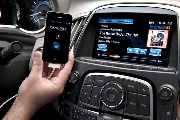 Automakers Help Keep Teen Drivers Safe With Cutting-Edge Tech featured image large thumb2