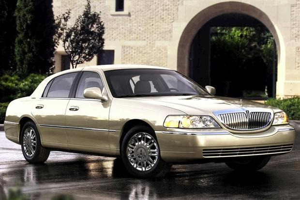 Luxury Cars for Less: Roll in Style With These 5 Used Luxury Rides featured image large thumb2