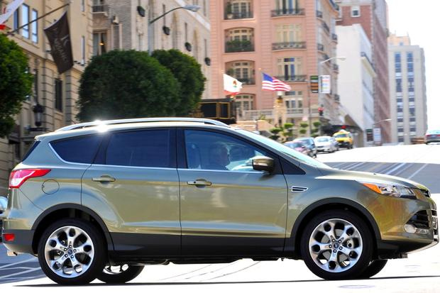 Top 7 Non-Luxury Compact Crossovers featured image large thumb1