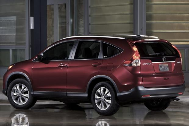 Top 7 Non-Luxury Compact Crossovers featured image large thumb2