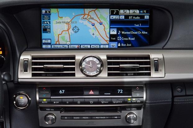 Don't Buy a Family Car Without These Features featured image large thumb4