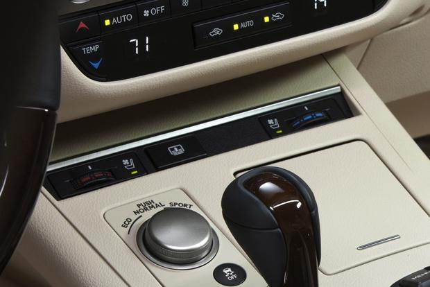 Don't Buy a Luxury Car Without These Features featured image large thumb3