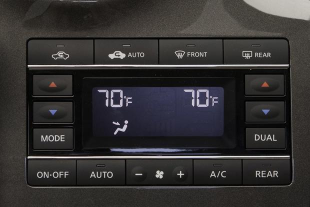 Don't Buy a Minivan Without These Features featured image large thumb2