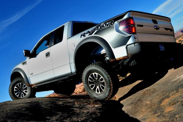 Buy A Truck >> Don T Buy A Pickup Truck Without These 7 Features Autotrader
