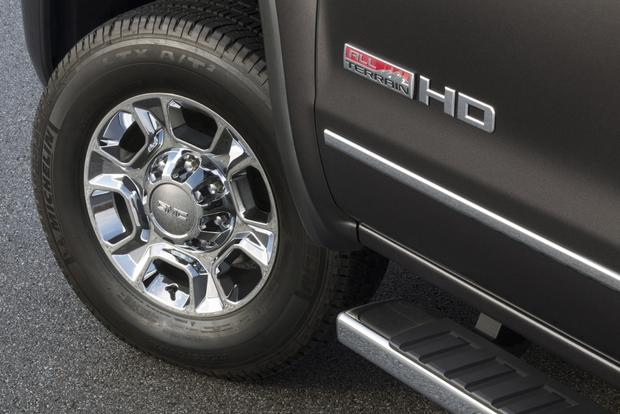 Don't Buy a Pickup Truck Without These 7 Features featured image large thumb3