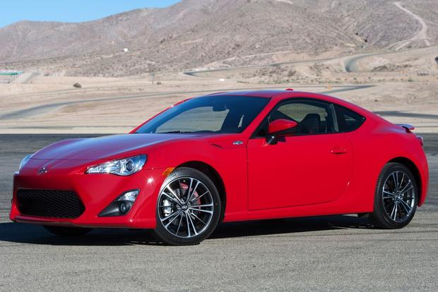 7 Sporty Cars With Surprisingly Good Gas Mileage Featured Image Large Thumb5