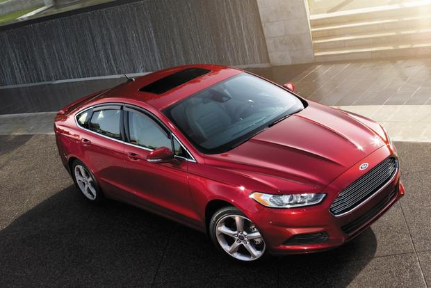 8 of the Safest New Cars Under $30,000 featured image large thumb0