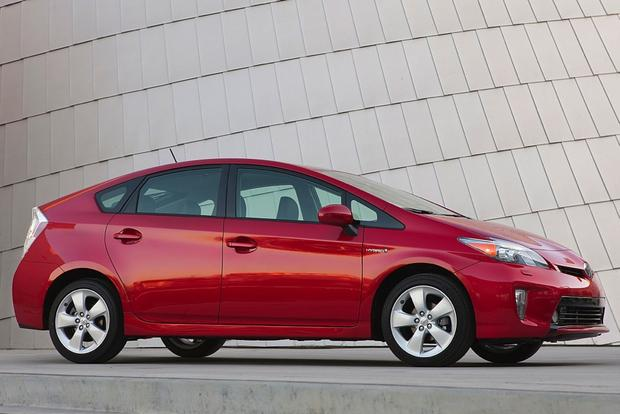 8 of the Safest New Cars Under $30,000 featured image large thumb6