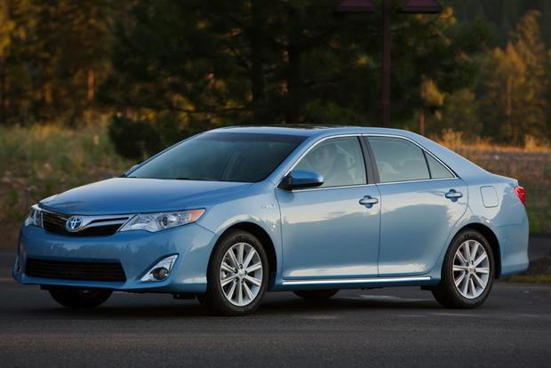 8 Most Fuel-Efficient Midsize Sedans featured image large thumb3