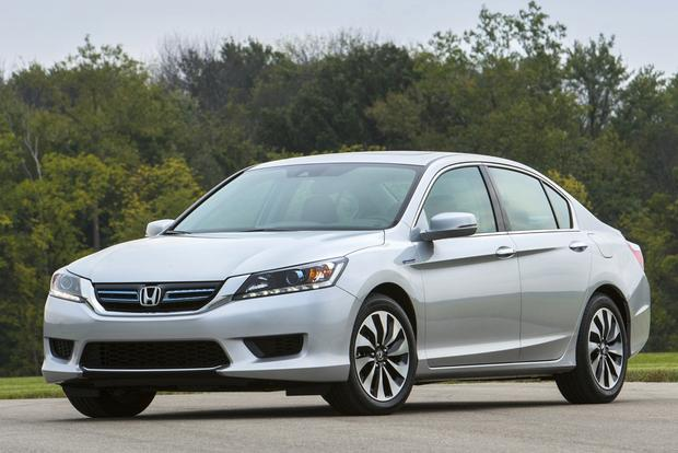 8 Most Fuel-Efficient Midsize Sedans featured image large thumb4