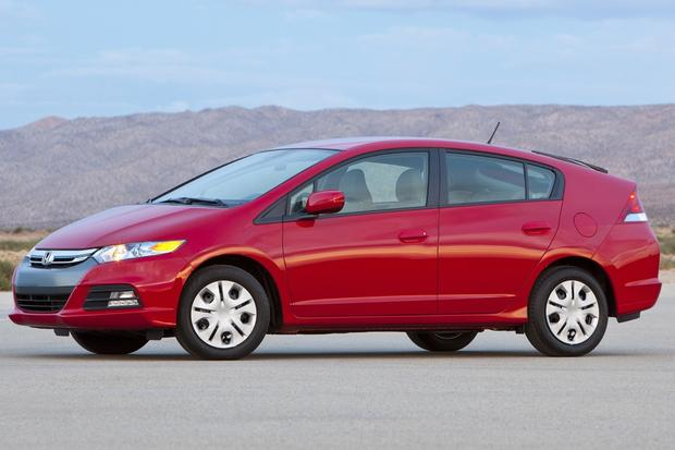 7 Great Used Cars That Get 30 Miles Per Gallon featured image large thumb1