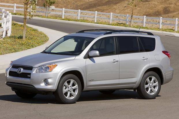 7 Used SUVs That Are Good on Gas featured image large thumb5