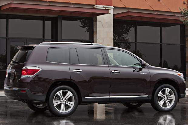 great cpo 3 row suvs for under 25 000 featured image large thumb6