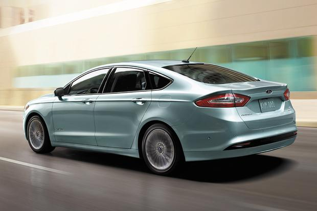 6 Great Midsize Sedans That Top 35 Miles Per Gallon Featured Image Large Thumb0