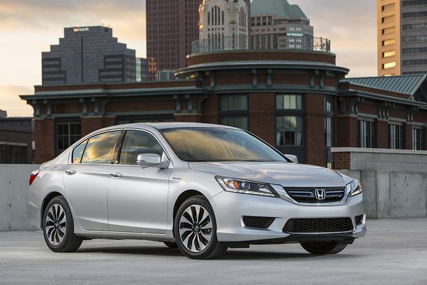 6 Great New Hybrid Cars You Might Not Know About featured image large thumb0