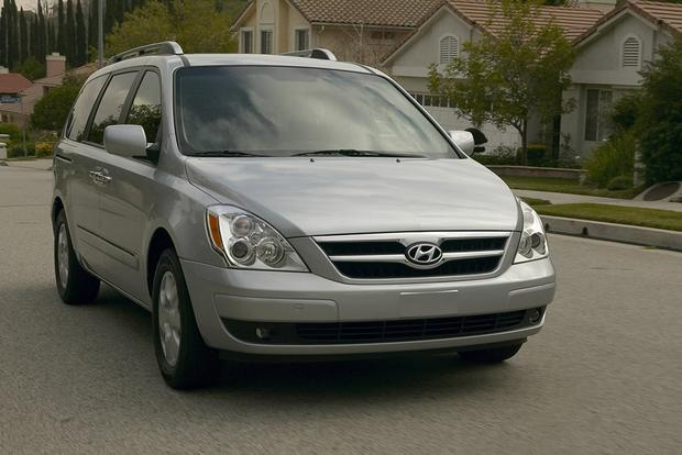 6 Great Used Minivans for Under $10,000 featured image large thumb2