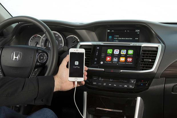 Must-Have Automotive Technology for 2016 featured image large thumb3