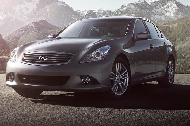 2015 infiniti q40 new car review autotrader. Black Bedroom Furniture Sets. Home Design Ideas