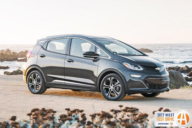 2017 Chevrolet Bolt EV: Must Test Drive - Video