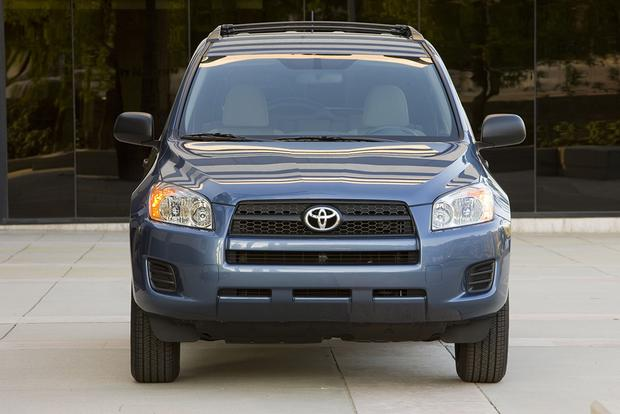 6 Great All-Wheel-Drive Used Cars for Under $15,000 featured image large thumb3