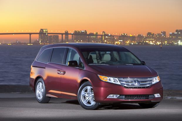 5 CPO Minivans for $10,000 Off MSRP