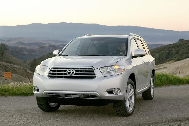 5 Used Toyota Trucks and SUVs Under $10,000 featured image large thumb0