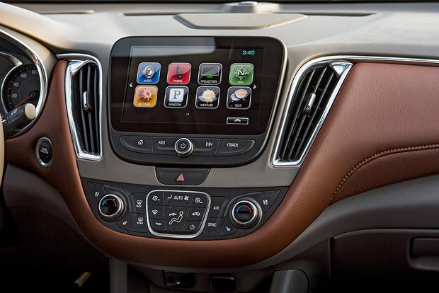 Infotainment Systems: A Comparison featured image large thumb13