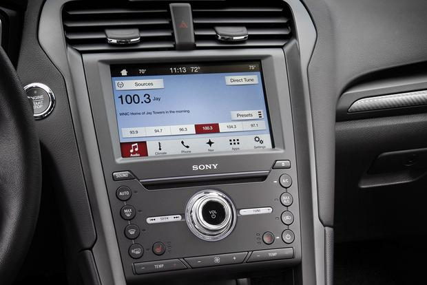 Infotainment Systems: A Comparison featured image large thumb1