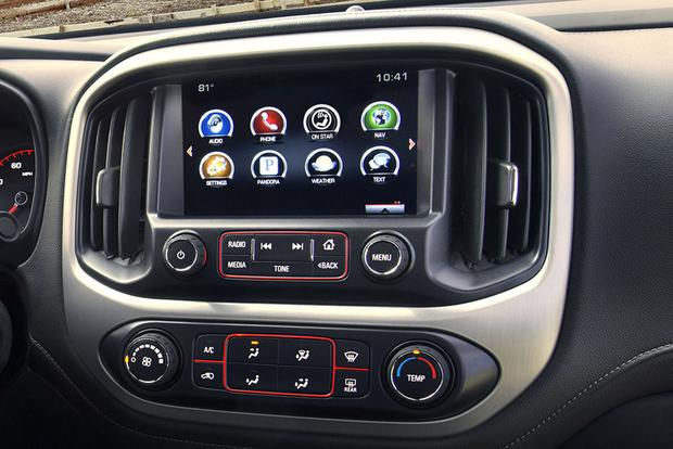 Infotainment Systems: A Comparison featured image large thumb2