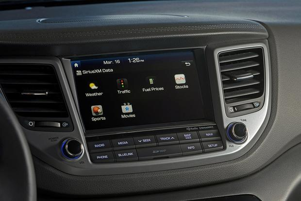 Infotainment Systems: A Comparison featured image large thumb4