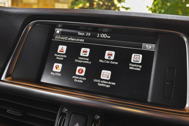 Infotainment Systems: A Comparison featured image large thumb5