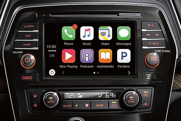 Infotainment Systems: A Comparison featured image large thumb9